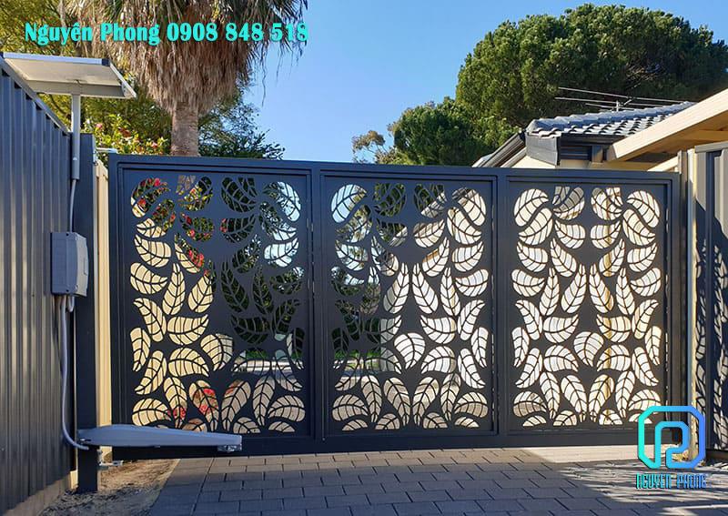 Electric-Swing-Gate-woodland-grey-3.jpg