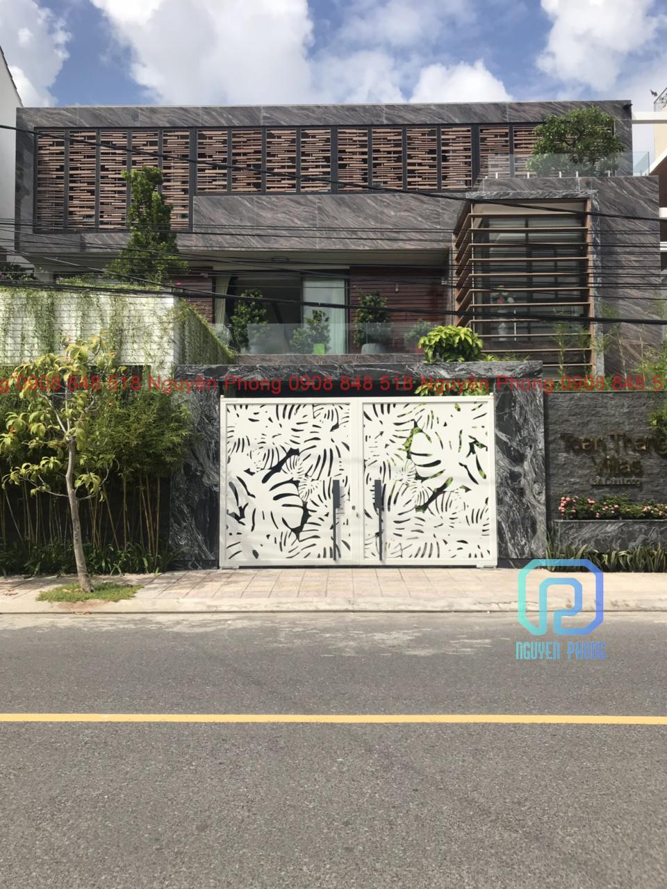 http://nguyenphongcnc.com/assets/images/gallery/cong-cnc-cho-biet-thu-villa-2.jpg